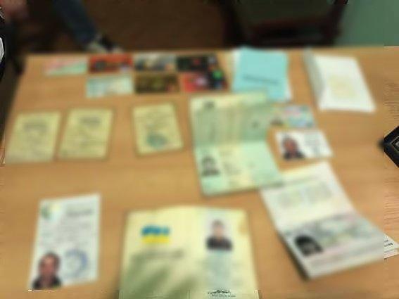 Як виглядає злодій з Мукачева, який спеціалізується на крадіжках документів: фото, фото-1