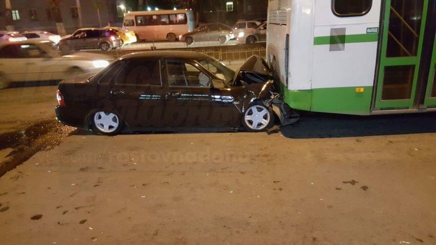 Три человека пострадали в тройном ДТП на Ленина в Ростове-на-Дону, фото-3