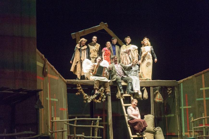 В Каменской театр вернулась «Очень простая история», фото-16