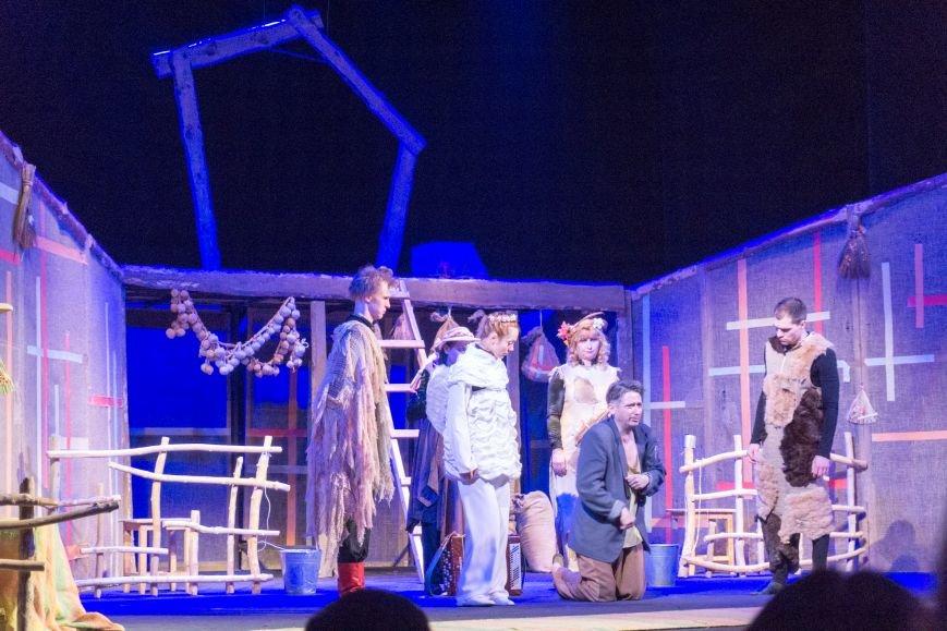 В Каменской театр вернулась «Очень простая история», фото-9