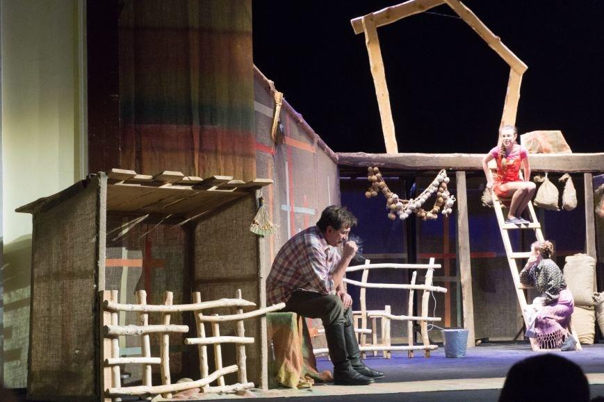 В Каменской театр вернулась «Очень простая история», фото-12