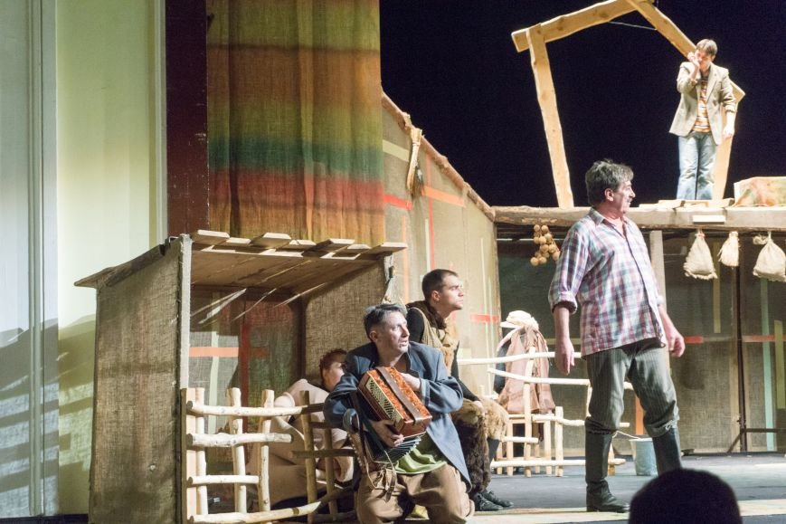 В Каменской театр вернулась «Очень простая история», фото-6
