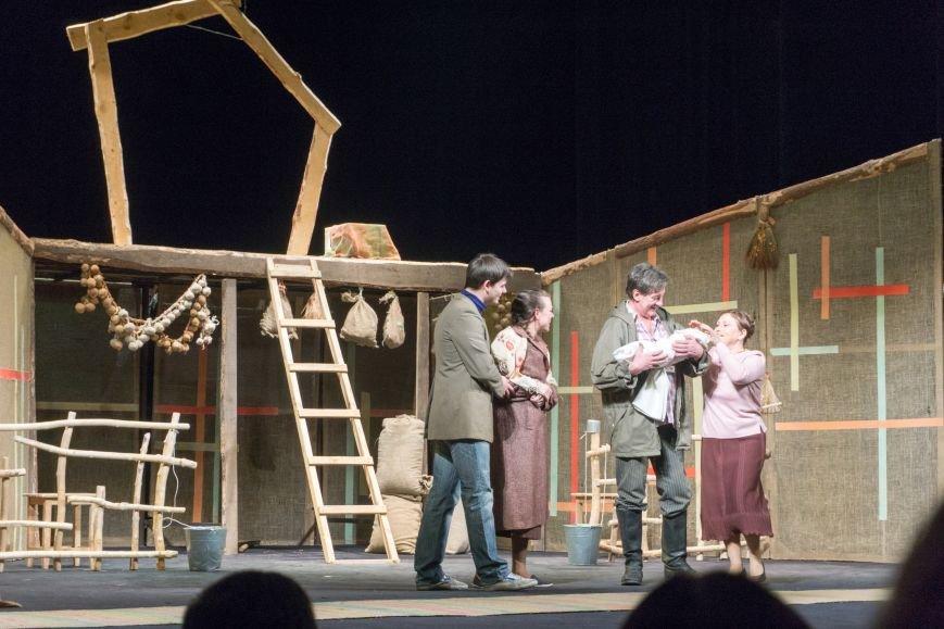 В Каменской театр вернулась «Очень простая история», фото-13