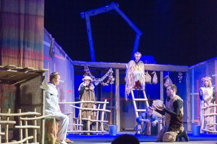 В Каменской театр вернулась «Очень простая история», фото-10
