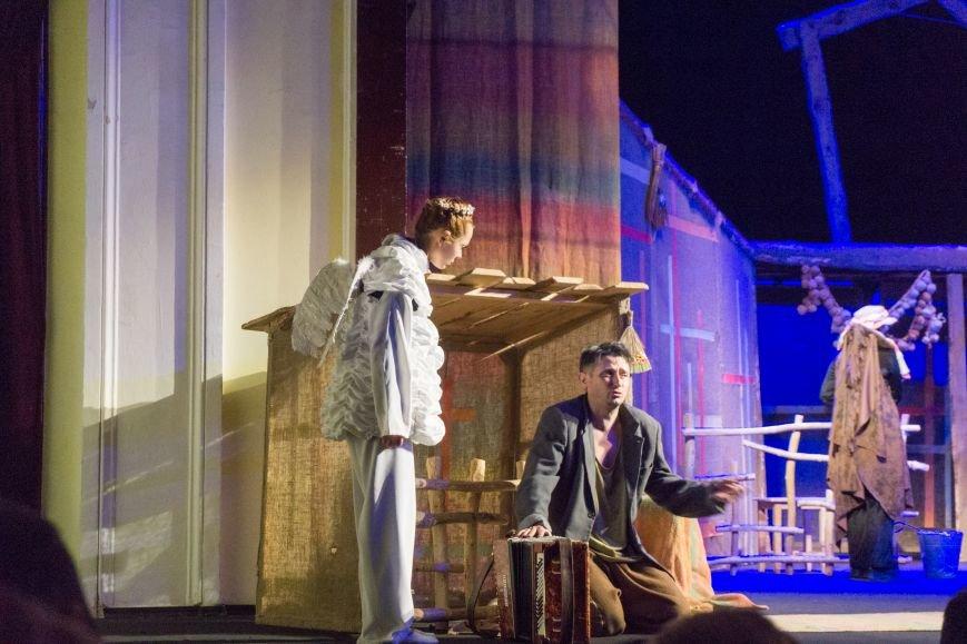 В Каменской театр вернулась «Очень простая история», фото-11