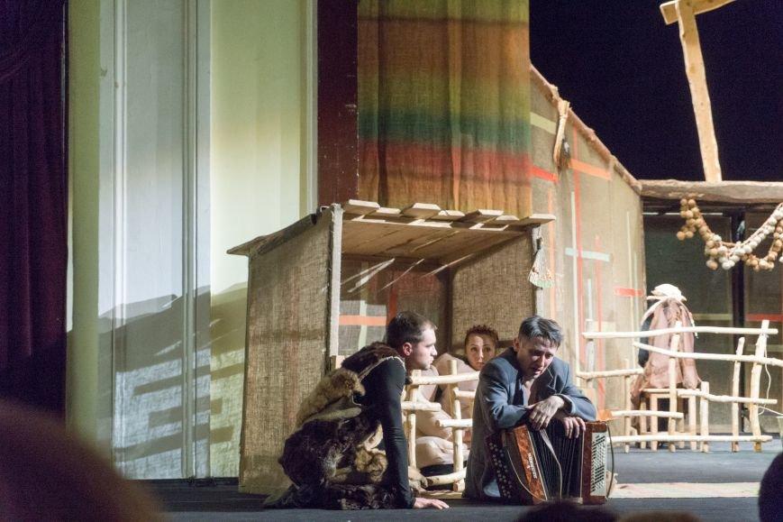 В Каменской театр вернулась «Очень простая история», фото-7
