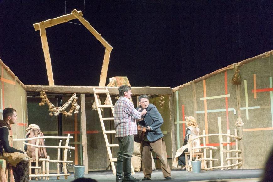 В Каменской театр вернулась «Очень простая история», фото-5