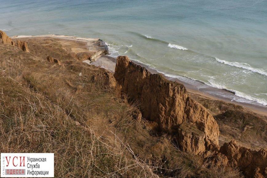 Оползни под Одессой: в Санжейке сползающие склоны съедают пляж (фото), фото-2