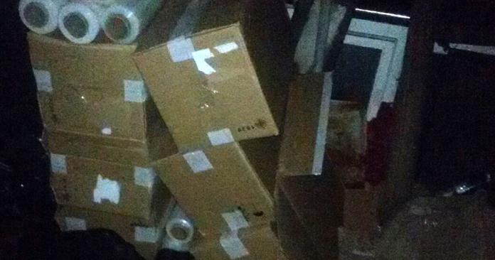 «На ходу запрыгивали в грузовые поезда и зарывали в угле коробки с сигаретами». Трое полочан входили в состав экстремальной группы контраб..., фото-2