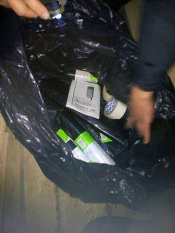 «На ходу запрыгивали в грузовые поезда и зарывали в угле коробки с сигаретами». Трое полочан входили в состав экстремальной группы контраб..., фото-3