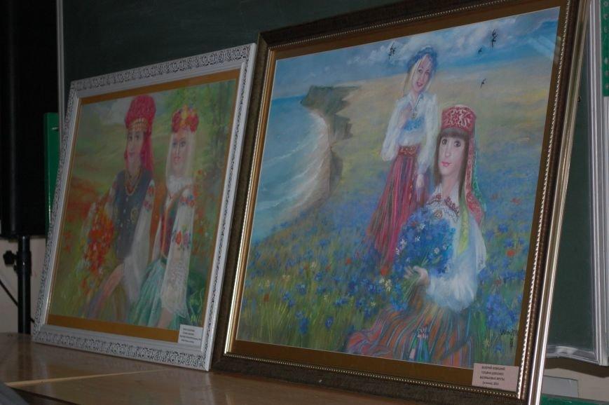 В ялтинской Гуманитарно-педагогической академии открылась выставка художницы Татьяны Шевченко, фото-3