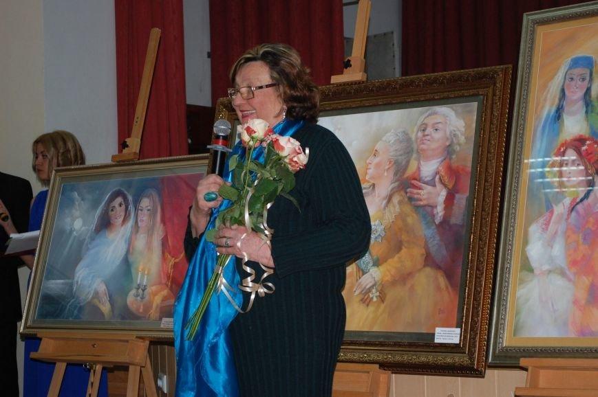 В ялтинской Гуманитарно-педагогической академии открылась выставка художницы Татьяны Шевченко, фото-1