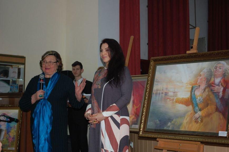 В ялтинской Гуманитарно-педагогической академии открылась выставка художницы Татьяны Шевченко, фото-4