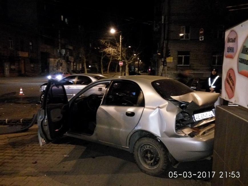 Страшное ДТП в Днепре: водитель иномарки получила серьезные травмы (ФОТО), фото-1