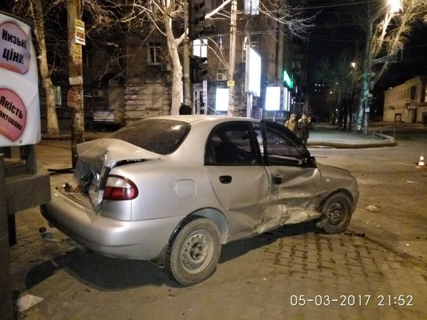 Страшное ДТП в Днепре: водитель иномарки получила серьезные травмы (ФОТО), фото-3