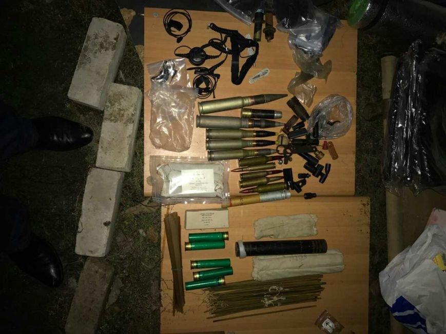 В Днепропетровской области бывший военный и волонтер АТО хранил арсенал оружия (ФОТО, ВИДЕО), фото-1