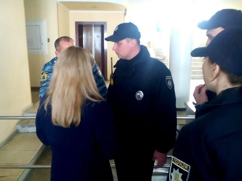В Херсоне сотрудницу, отказавшуюся обслуживать капеллана на украинском языке, отстранят от работы? (фото, видео), фото-2