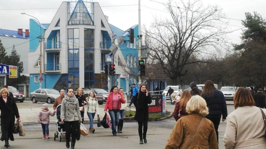 """В Ужгороді біля універмагу """"Україна"""" вийшов з ладу світлофор: фото, фото-1"""