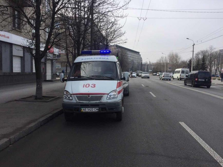 """В Днепре карета """"скорой помощи"""" сбила девушку (ФОТО), фото-2"""