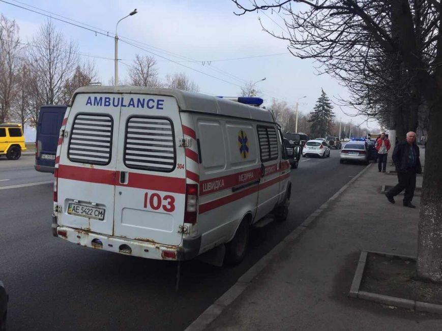 """В Днепре карета """"скорой помощи"""" сбила девушку (ФОТО), фото-3"""