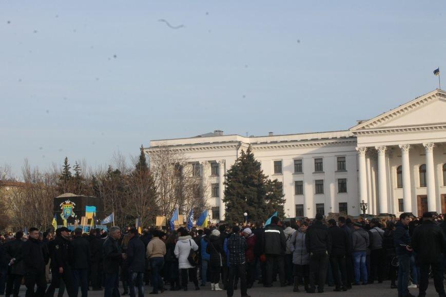 В Краматорске состоялся митинг против блокады ОРДЛО: тысячи граждан вышли на главную площадь, фото-3