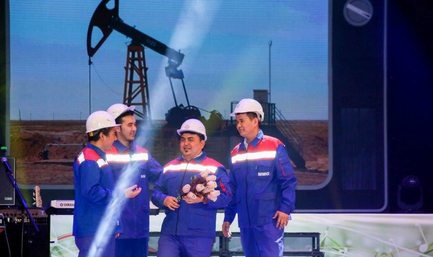Нефтяники Мангистау поздравили женщин с 8 марта, фото-1