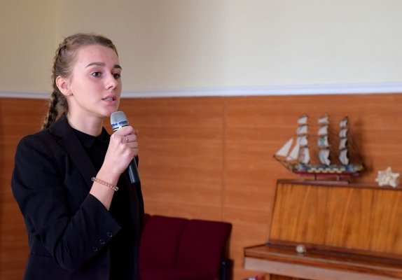 В гимназии Черноморска представили креативный «Морской проект» (фото), фото-5