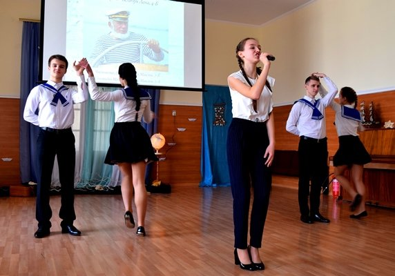 В гимназии Черноморска представили креативный «Морской проект» (фото), фото-7