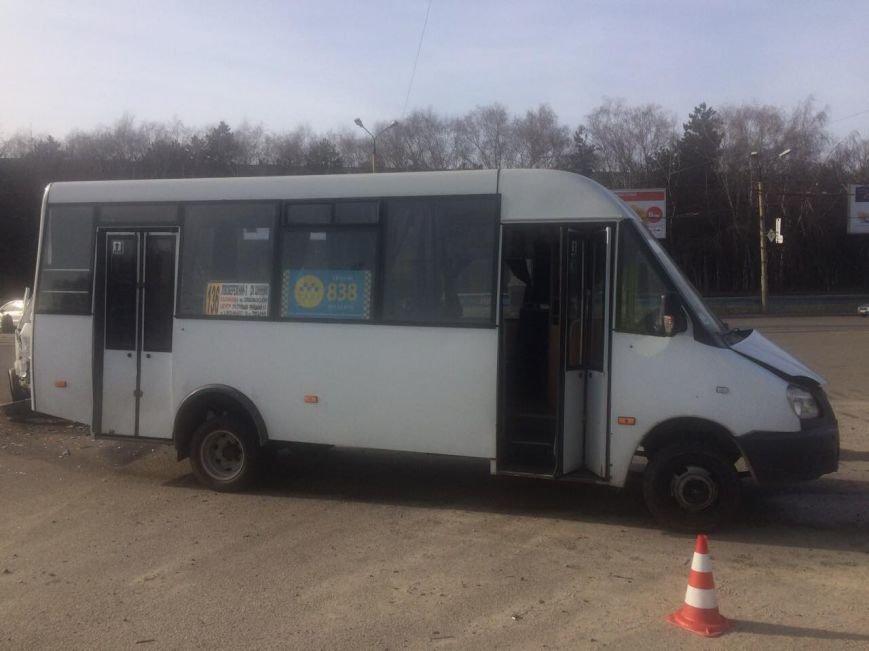 В Днепре маршрутка столкнулась с иномаркой (ФОТО), фото-5