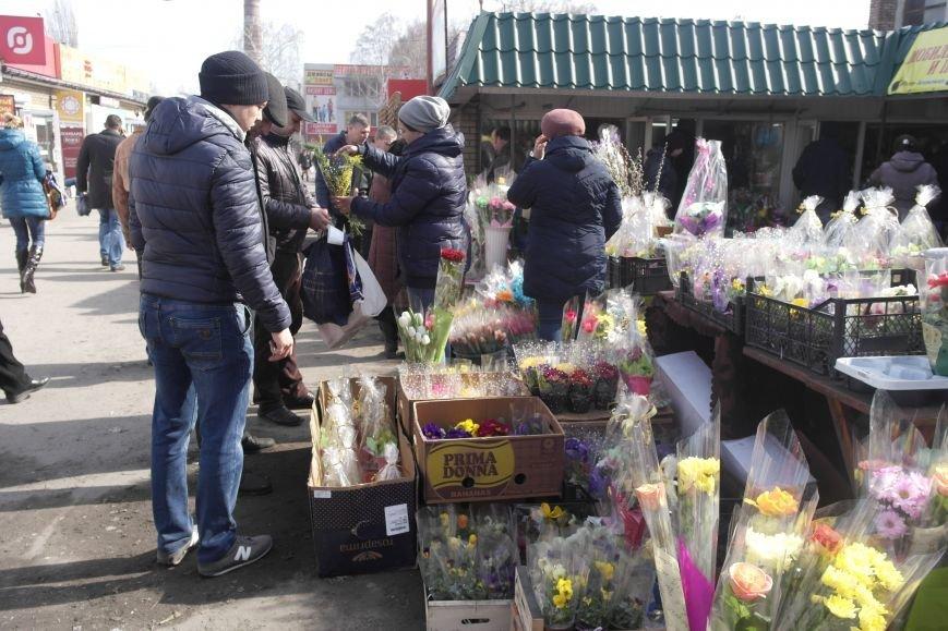 Розы, тюльпаны, орхидеи и мимоза: во сколько мужчинам Покровска обойдется букет на 8 марта?, фото-21