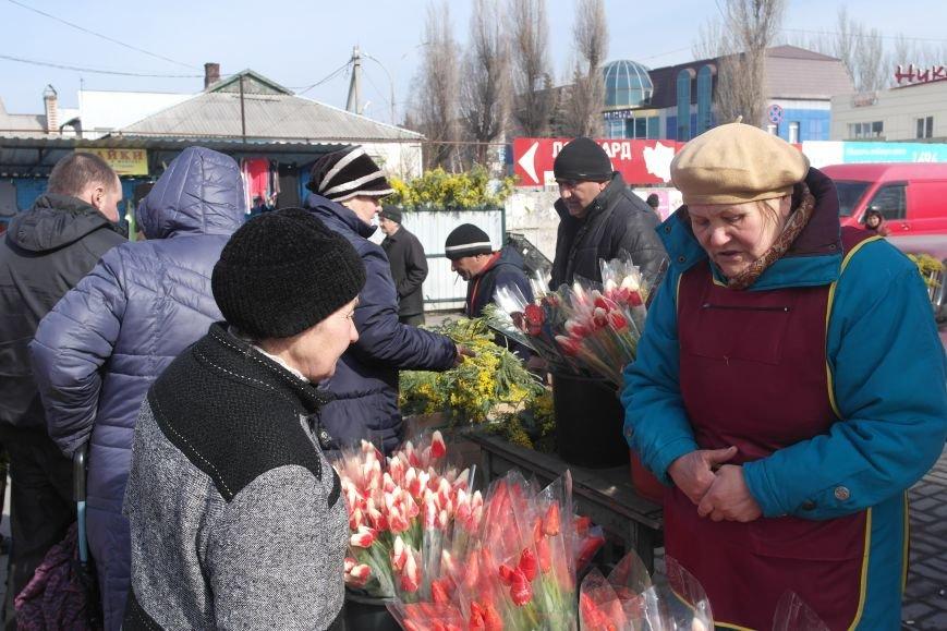 Розы, тюльпаны, орхидеи и мимоза: во сколько мужчинам Покровска обойдется букет на 8 марта?, фото-1