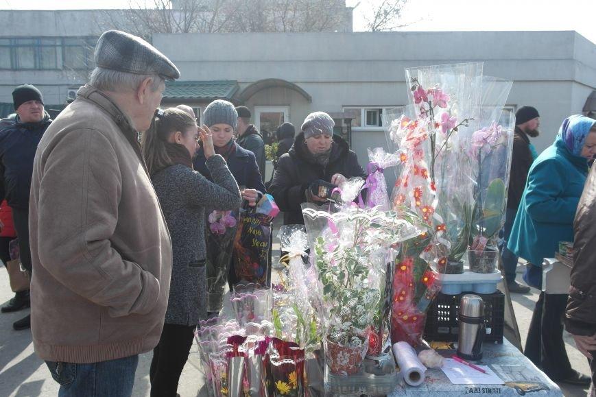 Розы, тюльпаны, орхидеи и мимоза: во сколько мужчинам Покровска обойдется букет на 8 марта?, фото-25