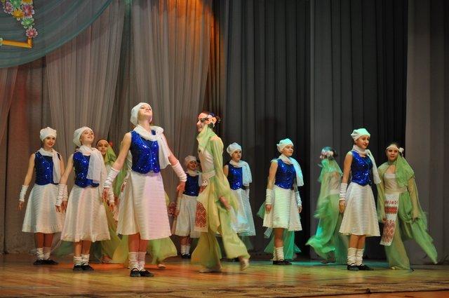 Краматорск начинает праздновать 8 марта, фото-1