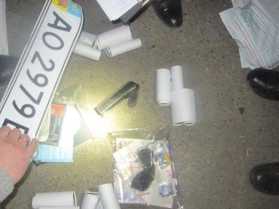 У Мукачеві КОРД затримав бандитів зі зброєю, які планували напад на інкасаторів: фото, фото-6