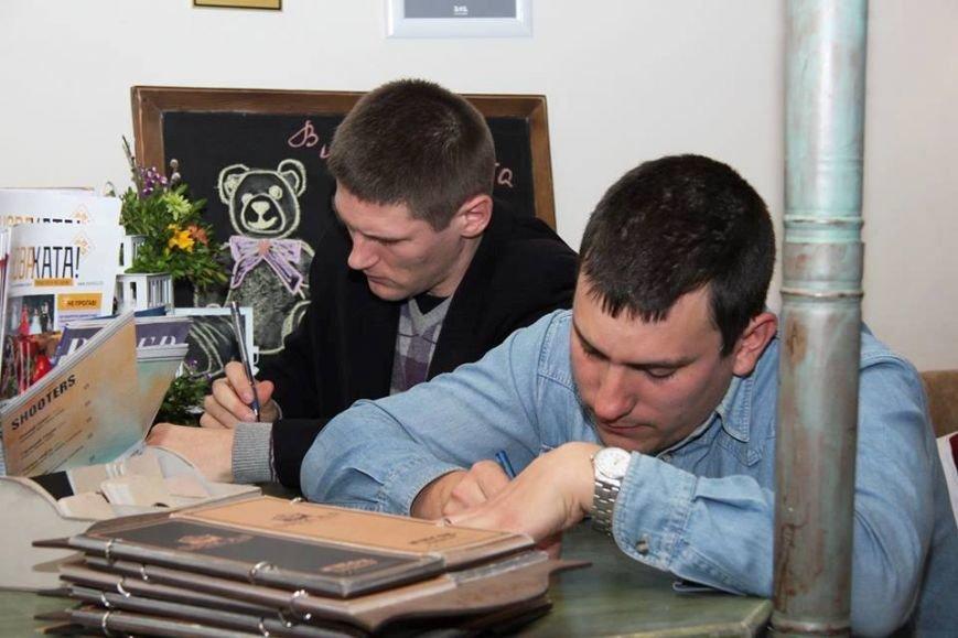 В Херсоне «Поэтический шкаф» отпраздновал первую годовщину (фото), фото-3