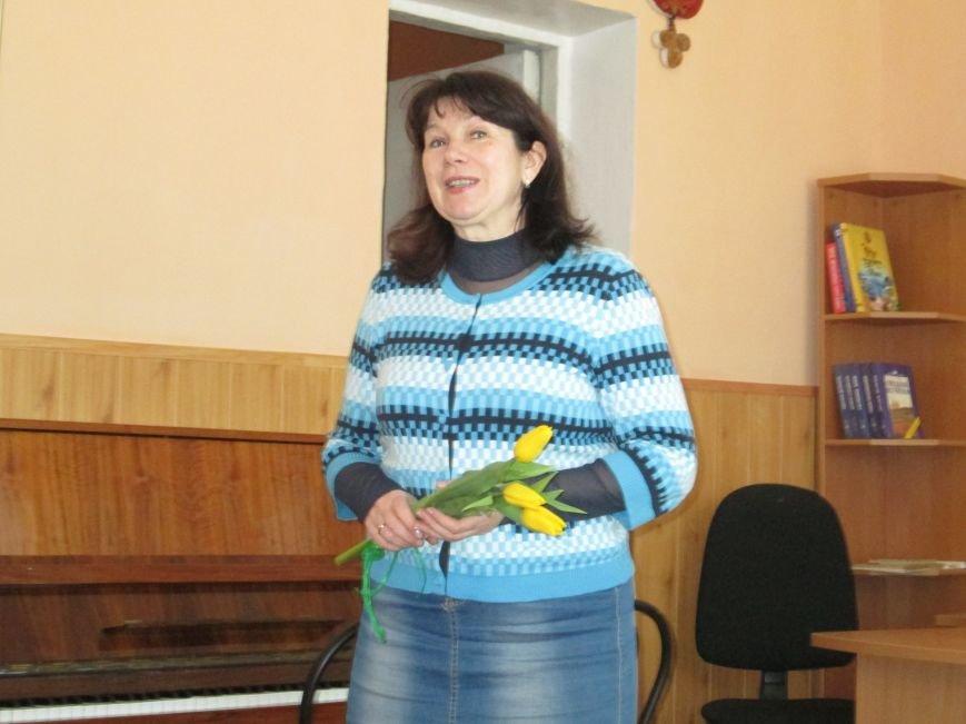 В библиотеке Каменского отпраздновали Международный женский день, фото-2