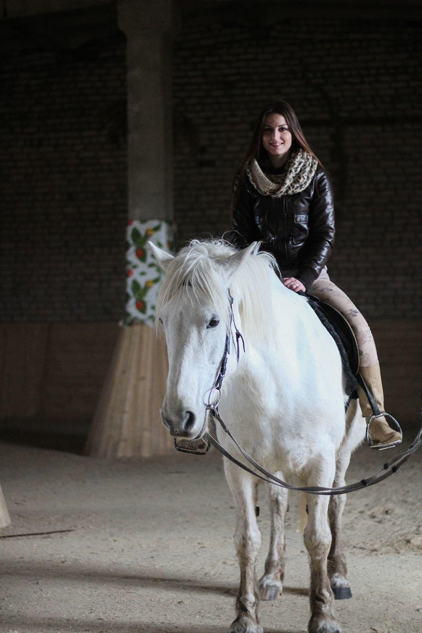 «Мы в полном восторге!»: победители конкурса «Селфи влюбленных» поделились впечатлениями от занятия в конном клубе. ФОТО, фото-2