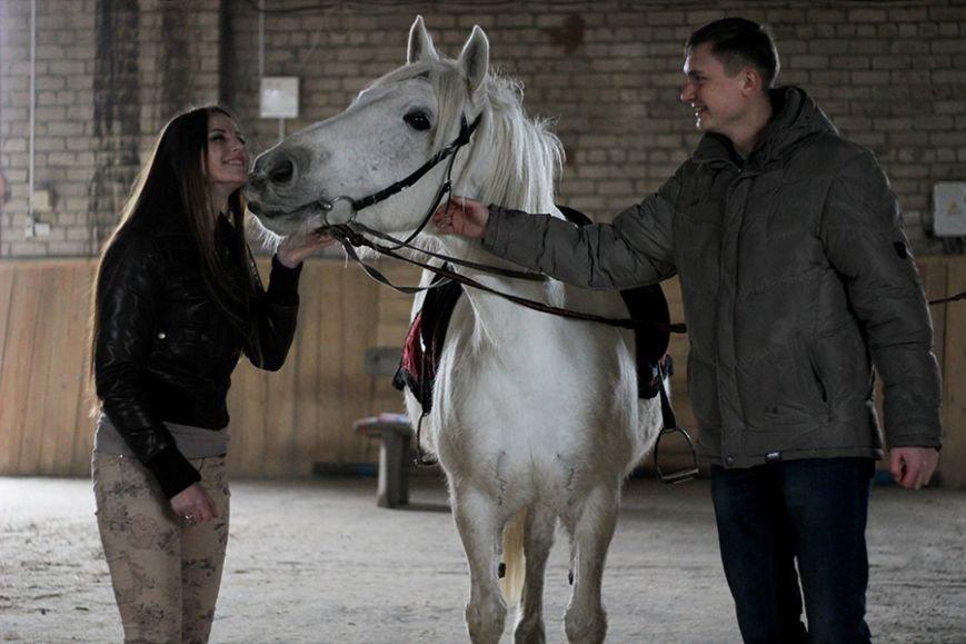 «Мы в полном восторге!»: победители конкурса «Селфи влюбленных» поделились впечатлениями от занятия в конном клубе. ФОТО, фото-4