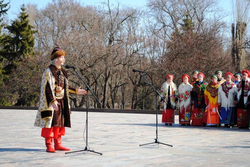 День рождения Кобзаря кременчужане отметили стихами и песнями (ФОТО), фото-4