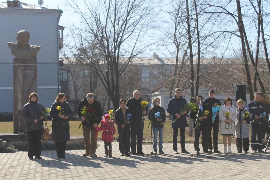 Краматорчане почтили память Великого Кобзаря в сквере Шевченка, фото-3