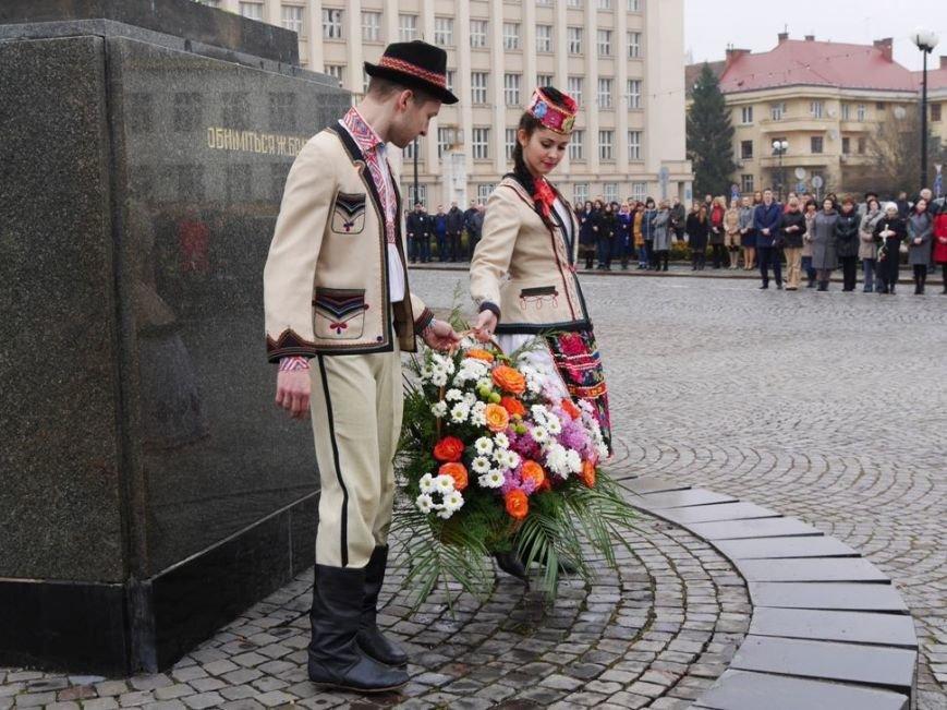 В Ужгороді відзначили 203-ю річницю з дня народження Кобзаря: фото, фото-1