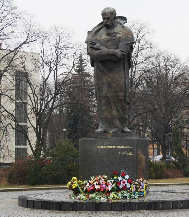 В Ужгороді відзначили 203-ю річницю з дня народження Кобзаря: фото, фото-3