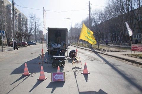 Краматорский ДОНМЕТ взялся за ремонт проблемных участков автодорог, фото-1