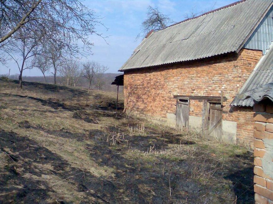 В Іршаві жінка, підпаливши сміття, ледь не залишила себе без будинку: фото, фото-4