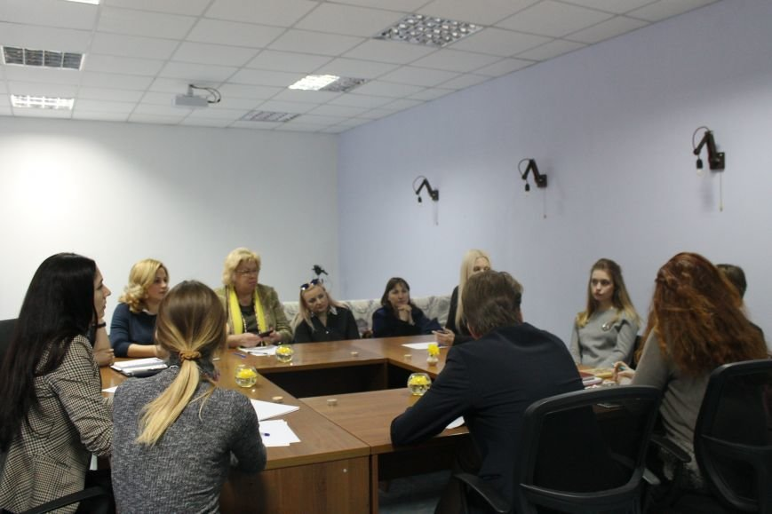 "С краматорскими ""Пані"" пообщался дипломат из Швеции, фото-1"