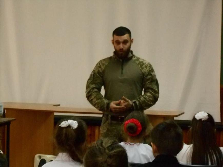 У херсонській школі було відкрито Центр національно–патріотичного виховання (фото), фото-1