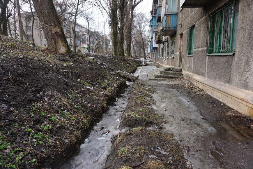 Губительная сила воды разрушает дом в Каменском, фото-9