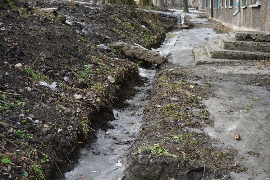 Губительная сила воды разрушает дом в Каменском, фото-10