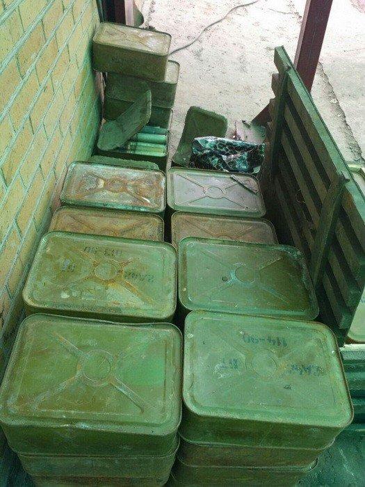 CБУ обнаружила тайник с большим количеством боеприпасов в районе АТО, фото-3