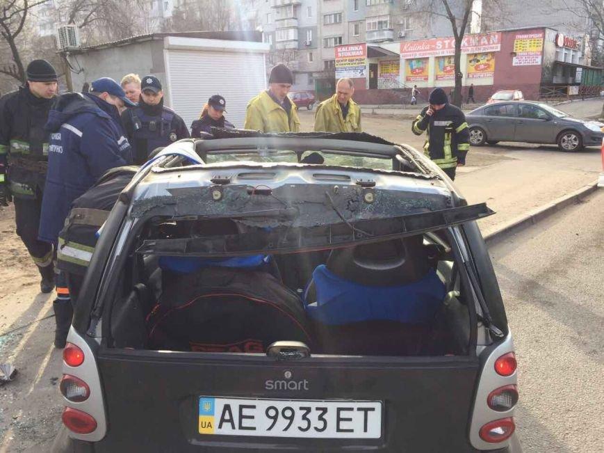 Избегая столкновения: на Янтарной перевернулся Smart (ФОТО), фото-3